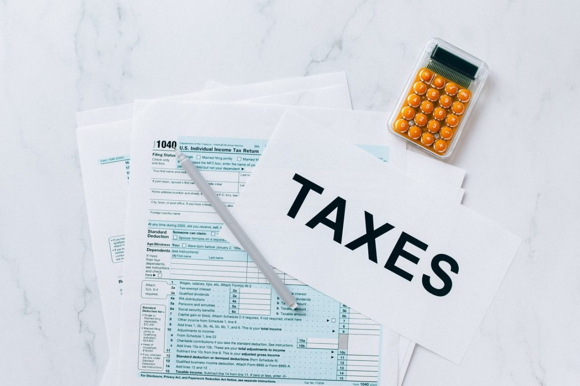 Business Taxes: 4  Expenses You Can Write Off