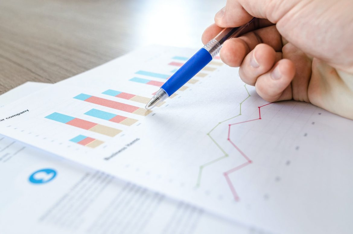 Outsourced Bookkeeping vs. In-House Bookkeeping